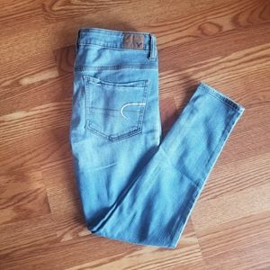 American Eagle Super Stretch Skinny Jean's 6